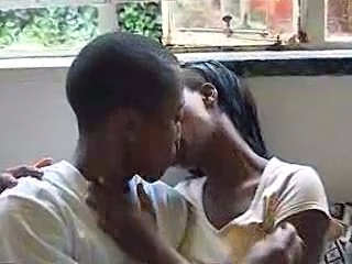 Amateur Ebony Kissing Amateur African