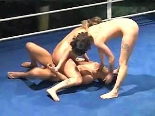 Groupsex Skinny Sport Tattoo Threesome Fight