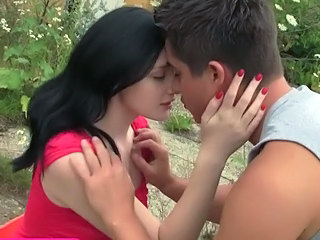 Brunette Cute Kissing Outdoor Teen Cute Teen Cute Brunette Outdoor Kissing Teen Outdoor Teen Teen Cute Teen Outdoor