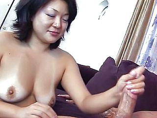 Asian handjob in box — img 6