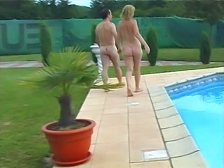 Mature Nudist Pool Granny Young