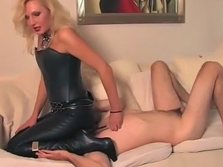 Facesitting Femdom Latex Slave Leather