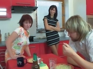 Daughter Drunk Kitchen Mom Threesome Son Daughter Mom Daughter Mom Daughter Mom Son