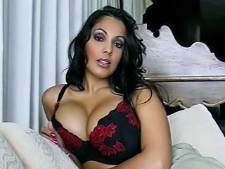 Bus Cute Latina  Natural Latina Milf