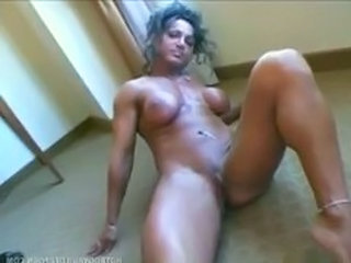 Mature Muscled Mature Pussy