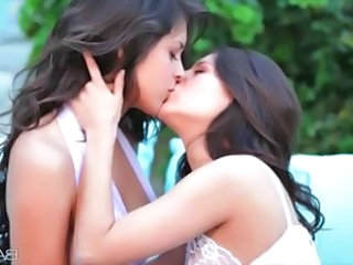 Babe Kissing Lesbian Outdoor Babe Outdoor Outdoor Kissing Lesbian Lesbian Babe Outdoor Babe