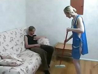 Amateur Homemade Maid Mom Old and Young Uniform Mother