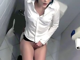 Amateur Masturbating Orgasm Toilet