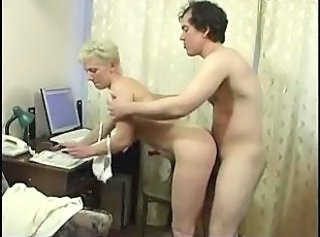 Amateur Doggystyle Mature Mom Old and Young Son