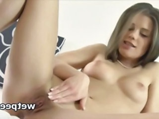 European Pissing Pussy Shaved Teen