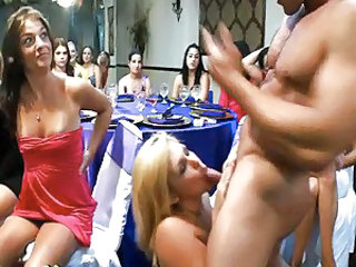 Blowjob   Party