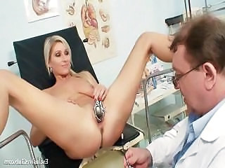 Doctor Insertion Vagina