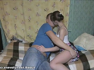 Amateur Girlfriend Kissing Teen