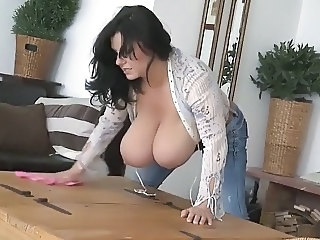 Big Tits Brunette  Mom Natural Huge