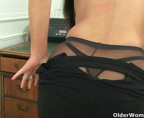 Ass British European Mature Office Pantyhose Secretary Solo Stripper British