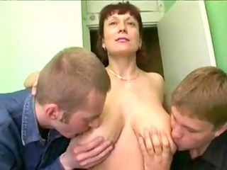 Amateur Big Tits Licking Mature Mom Natural Nipples Old and Young Russian  Threesome