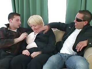 Chubby Hardcore Mature Mom Old and Young Threesome