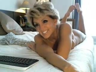 Amazing Cute  Mom Solo Webcam Boobs Mother