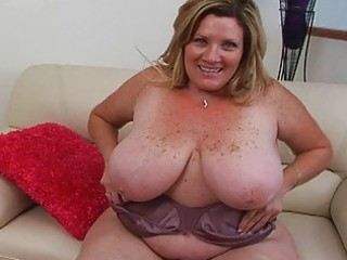 Big Tits Chubby Mature Mom Natural  Stripper Giant