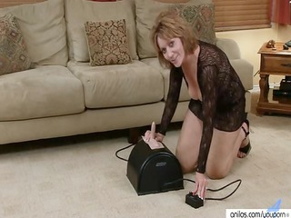 Masturbating Mature Solo Toy Sybian
