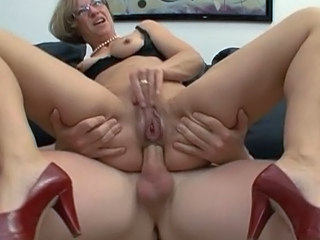 Anal  Glasses Mom Natural Pornstar Mom Anal Anal Mom Glasses Anal Mother