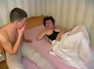 Amateur Mom Older Old and Young Strapon Mature Young Boy Amateur Mature Old And Young Amateur