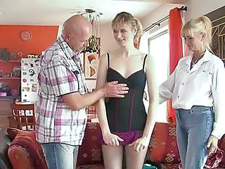 Daddy Daughter Family Mom Old and Young Threesome Son Daughter Mom Daughter Daddy Daughter Daddy Old And Young Perverted Family Mom Daughter Mom Son
