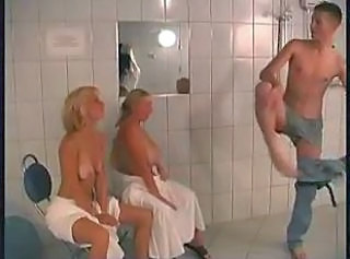 Groupsex Mature Mom Old and Young Showers Shower Mom Shower Mature Old And Young Group Mature