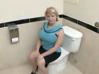 Amateur Big Tits Blonde  Toilet Bathroom