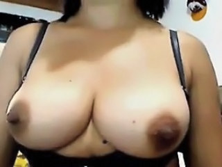 Big Tits  Natural Nipples Webcam Flashing