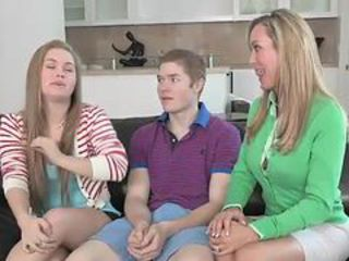 Daughter Family Mom Threesome