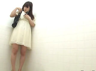 Asian Cute HiddenCam Teen Toilet