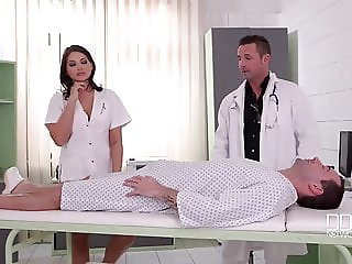 Amazing Doctor Strapon French