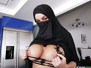 Amazing Arab Big Tits  Pornstar