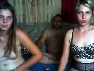 Teen Threesome Webcam