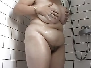 Amateur Big Tits Chubby Hairy Mature Mom Showers