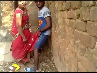 Amateur Indian Mature Mom Old and Young Outdoor Voyeur